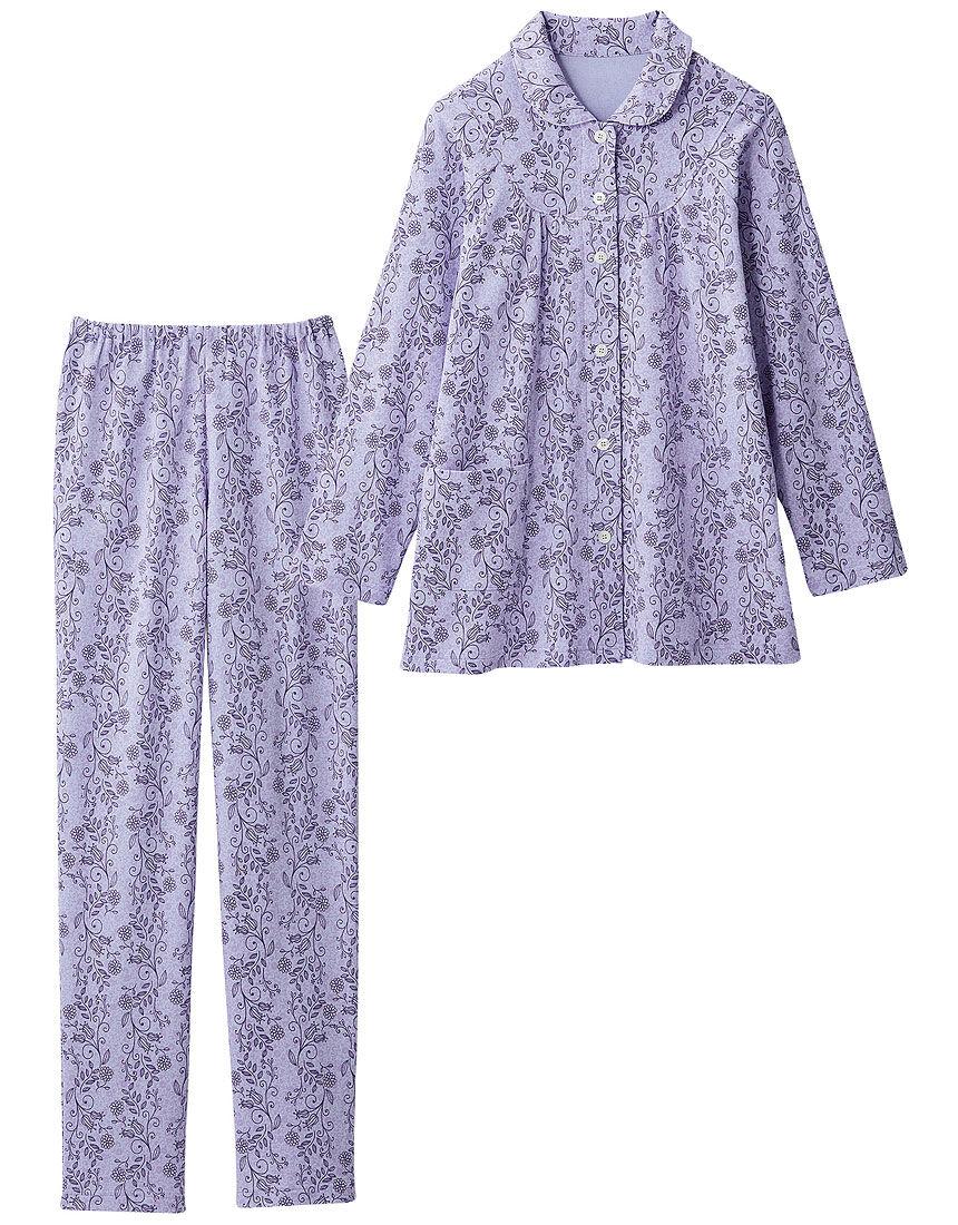 やわらかニットの花柄パジャマ
