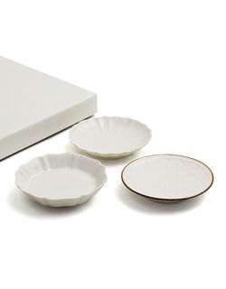 【可憐な花を食卓に咲かせる「生成りの白」の上品な花小皿】 花小皿 3種セット