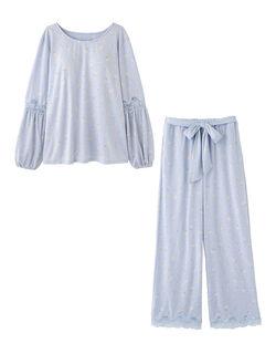 【ナイトブラを内蔵、睡眠中のバストをサポート。とろんと柔らか生地仕立て】ナイトブラ内蔵フラワー パジャマ